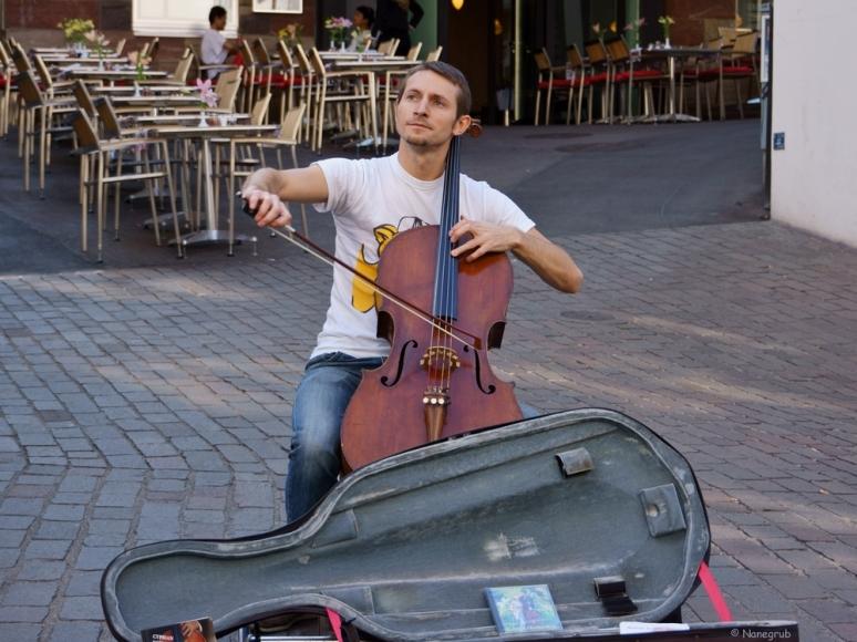 DSC07926.(violoncelliste)JPG